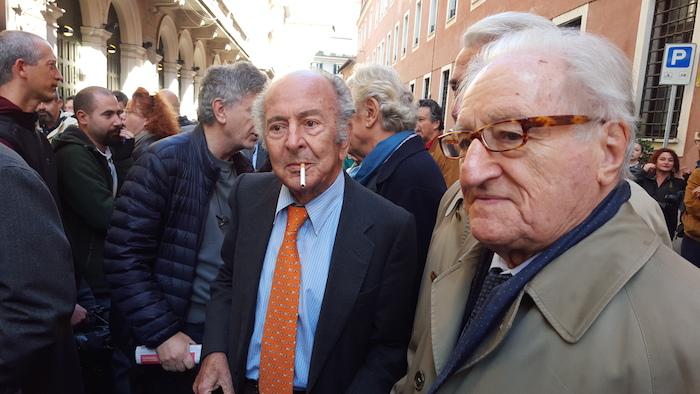 Valentino Parlato e, a destra, Aldo Tortorella