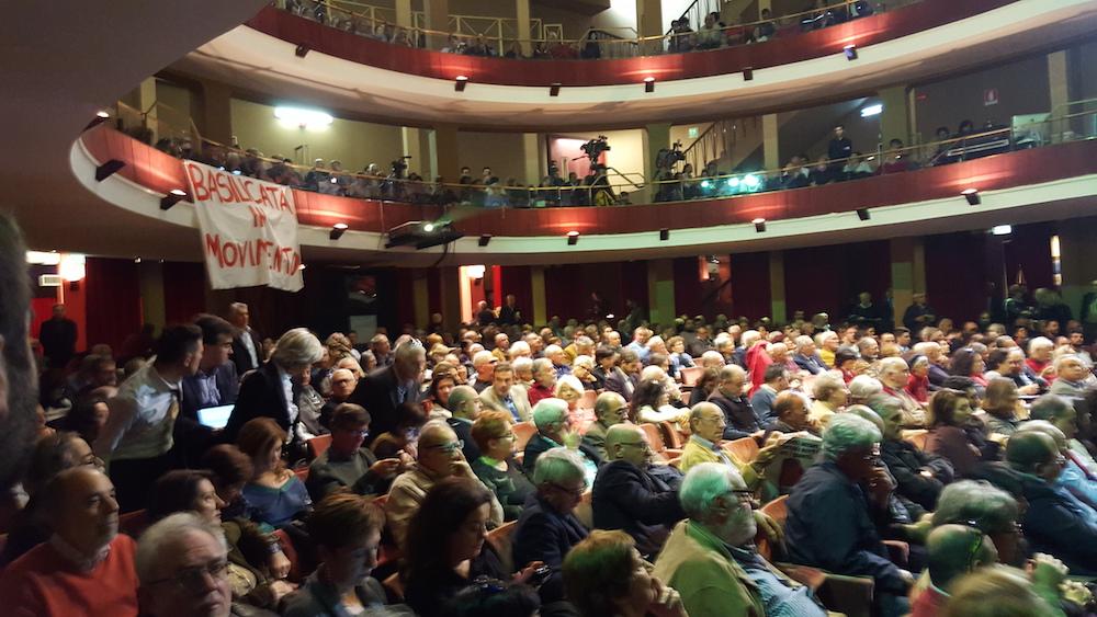 Il popolo della sinistra al Teatro Quirino di Roma