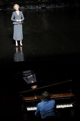 Kerstin Avemo (soprano) e Alain Franco (piano), foto di Christophe Raynaud de Lage
