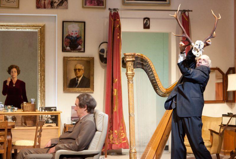 Theater Basel / Das Weisse vom Ei / Catriona Guggenbühl, Graham F. Valentine, Ueli Jäggi