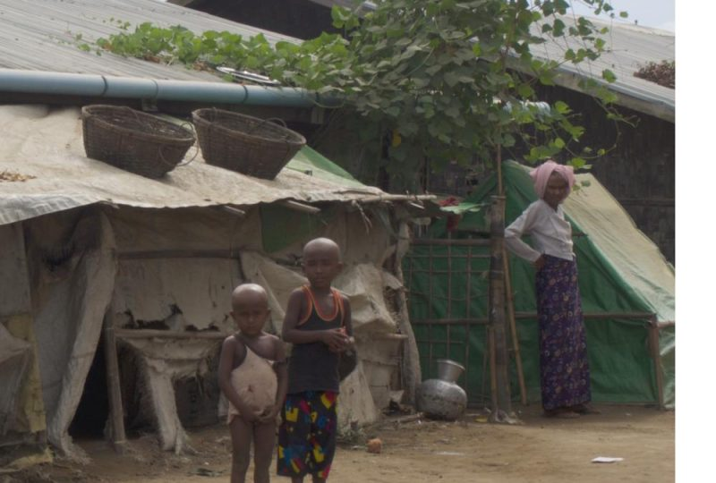Bambini Rohingya in un campo profughi. Cortesia dell'International State Crime Initiative