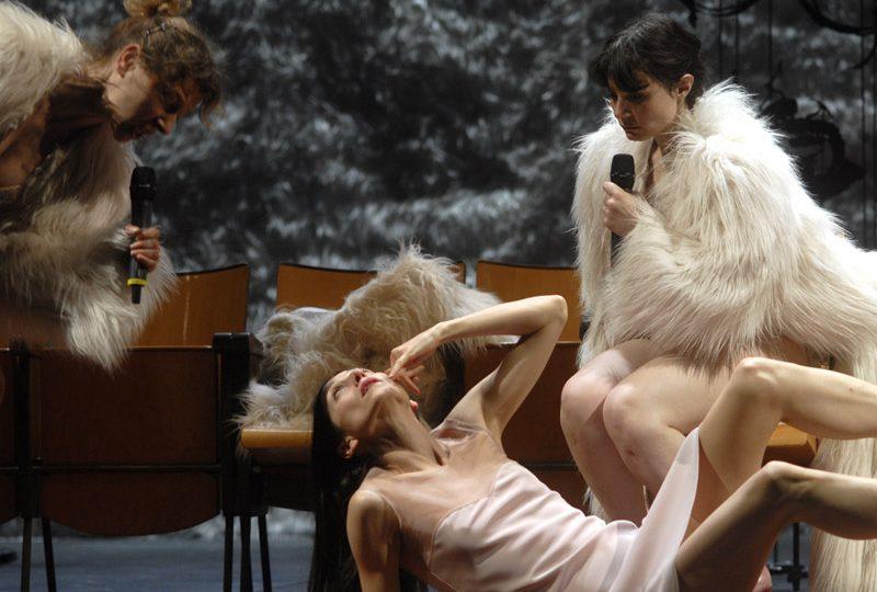 Ti regalo la mia morte, Veronika. Regia di Antonio Latella