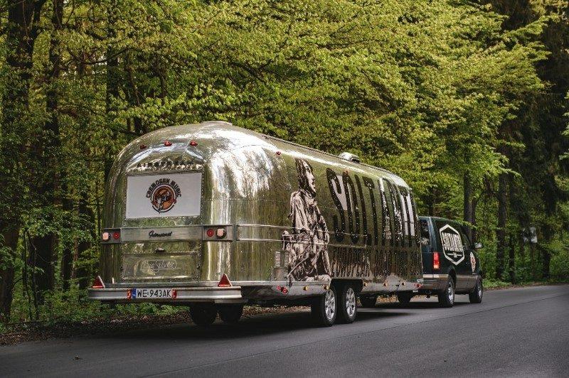 SOLTANTO American Airstream Caravan (1)
