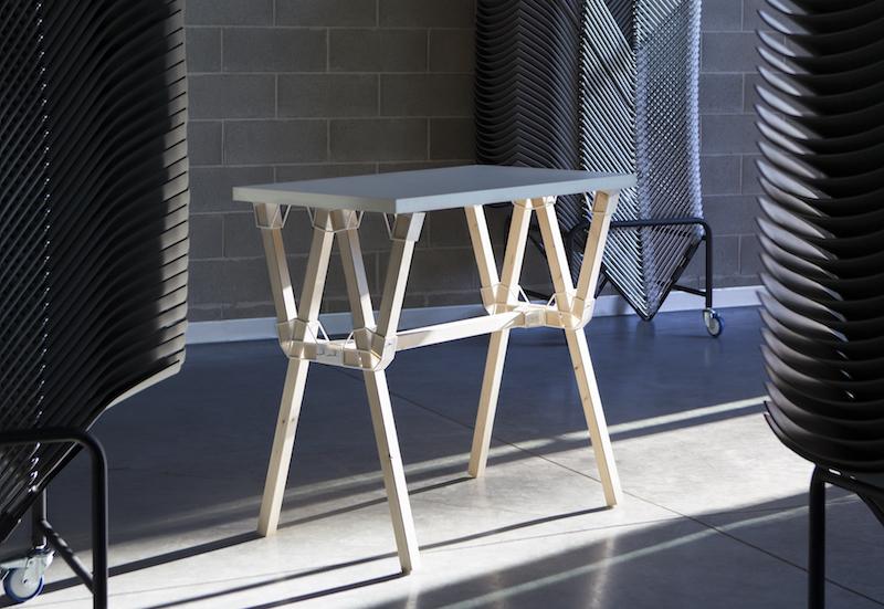 Depero, il tavolo realizzato da Caracol Studio