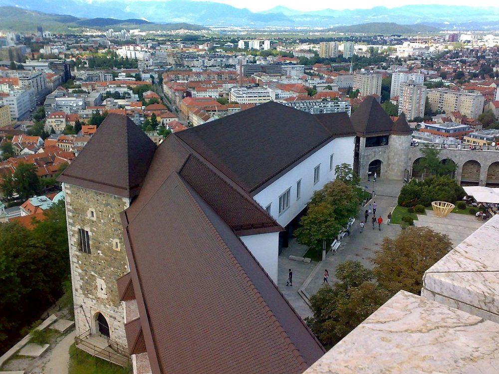 1024px-Ljubljana.castle.2008.08.24.161