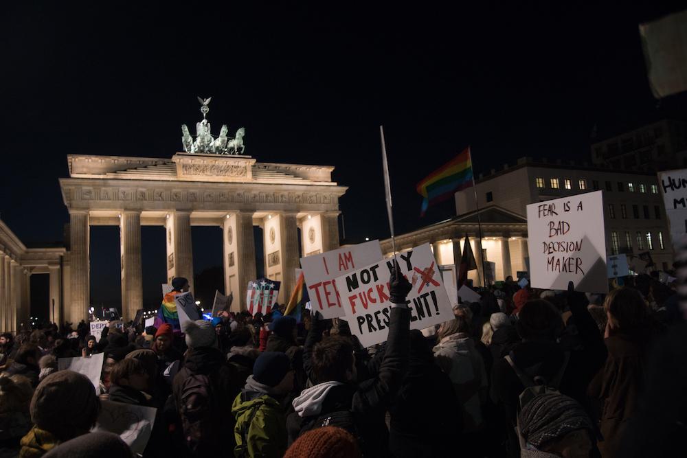 Manifestanti a Berlino per dire no a Trump. Foto: Daniela Carducci