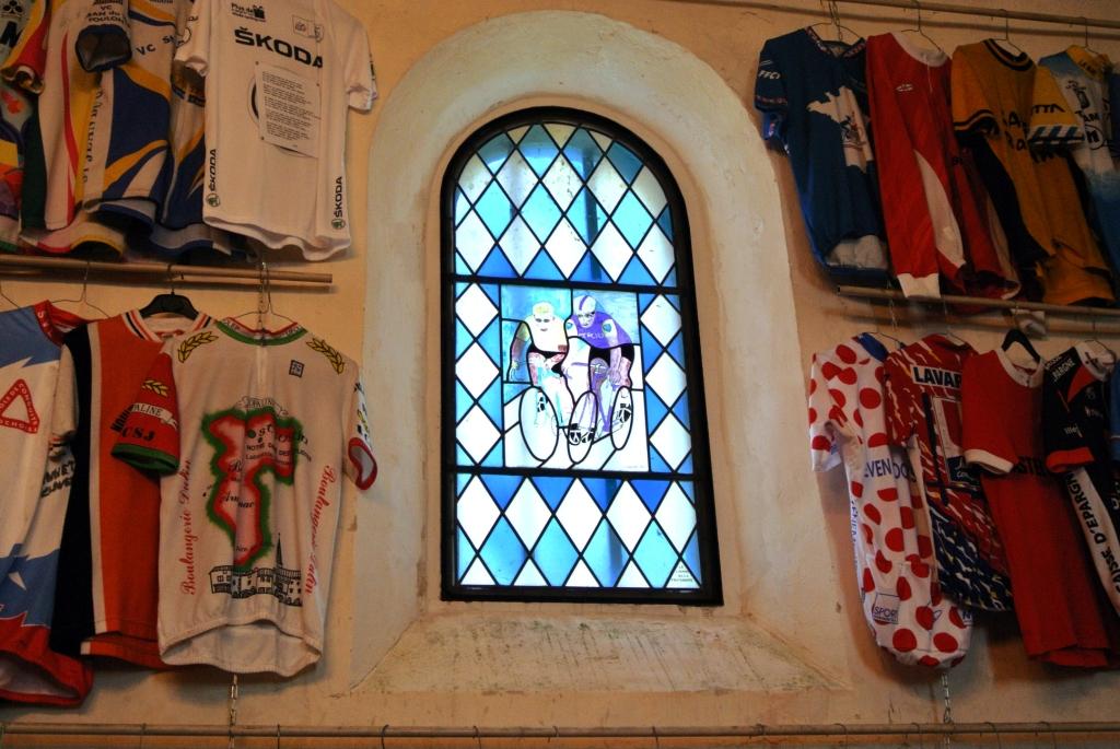 Anquetil e Poulidor vetrata