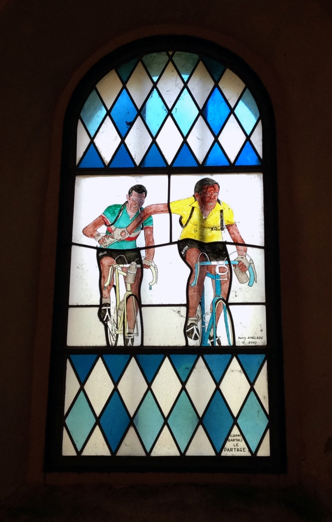 Coppi e Bartali nella vetrata