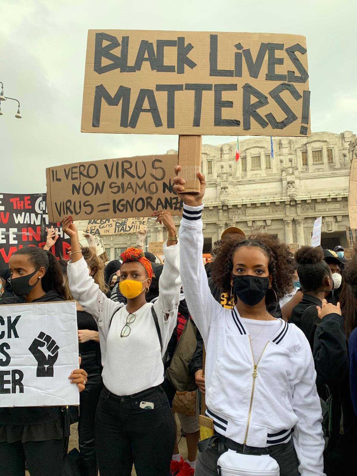 Sit-in Black lives Matter - Milano