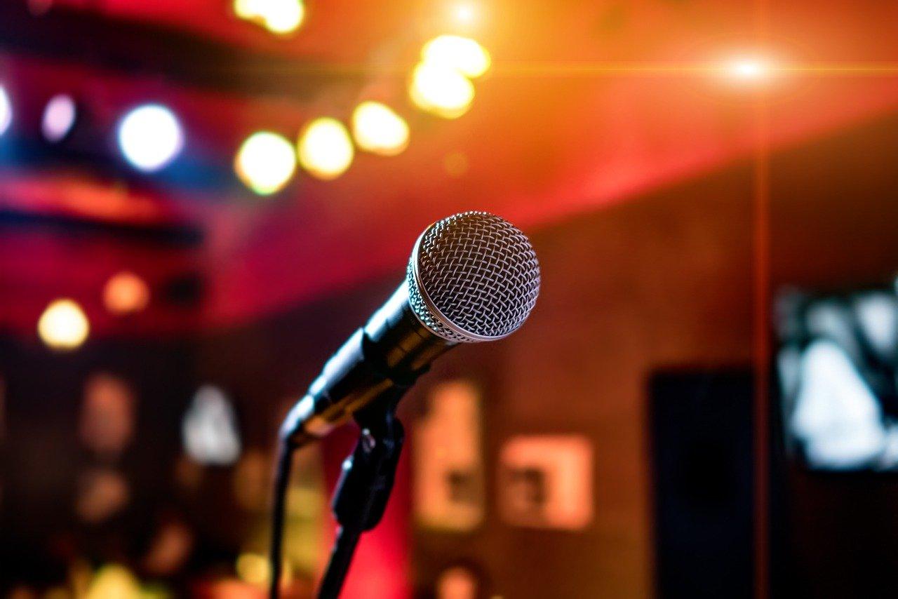 Karaoke_microfono