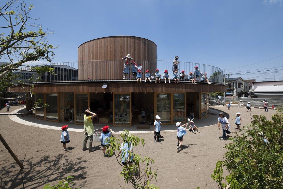 Tezuka Architects . + WAF, Chigasaki Zion Christian Church/ Mihato Kindergarten, Chigasaki, 2014